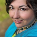 Stephanie Dray Headshot